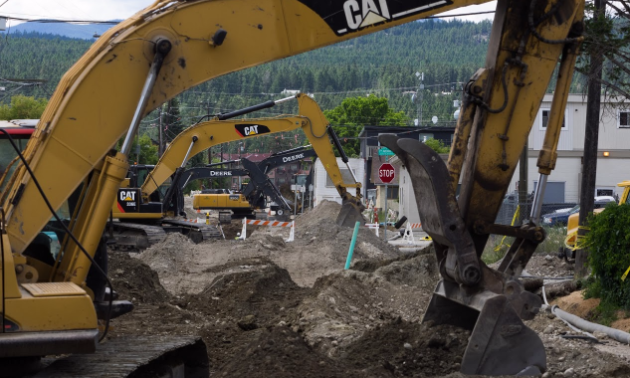 Excavators dig up 2nd Street South