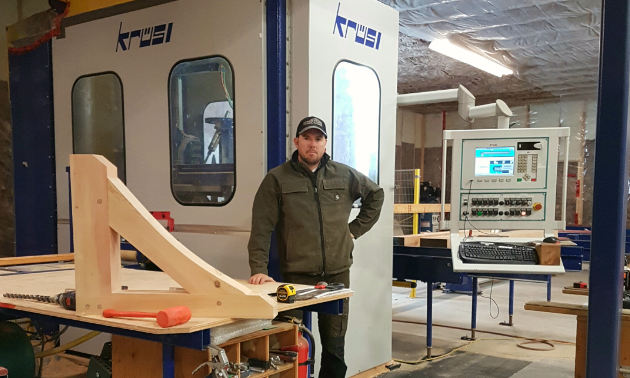 Kurt Huebert's carpentry companion is a Krüsimatic G1 CNC robot.