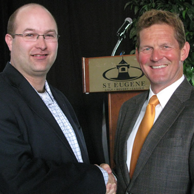 Mark Jackson (left), CP superintendent Kootenay division with David Hull of the Cranbrook Chamber of Commerce.