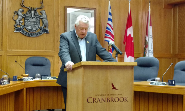 Cranbrook mayor Lee Pratt speaks about a proposed $10 million loan to fix Cranbrook roads.
