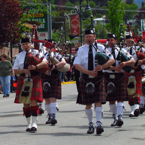 bagpipers in the parade