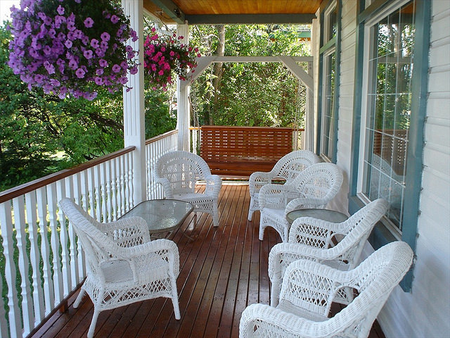 The veranda of the Nurses Residence Bed and Breakfast in the summer.