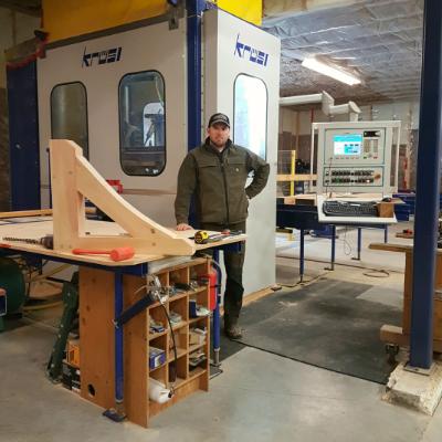 Kurt Huebert's carpentry companion is a Krüsimatic G1 CNC robot.