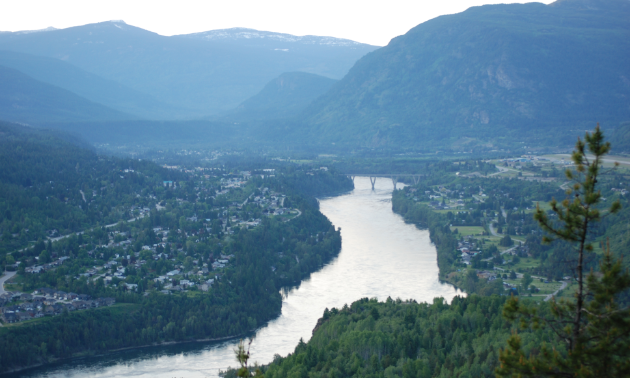 A wide angle shot of Castlegar from up on a mountain.