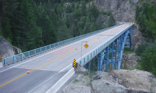 Picture of Paulson Bridge.