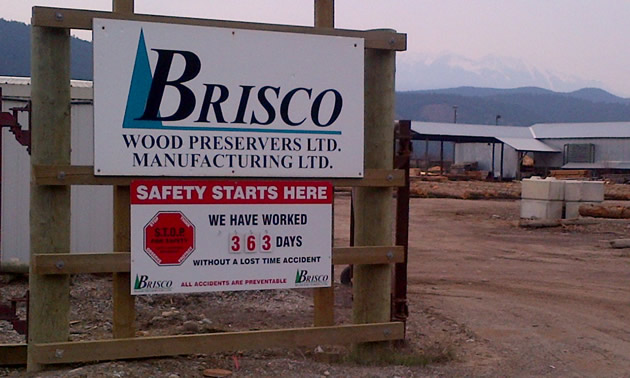 Sign saying Brisco Wood Preservers Ltd. and Manufacturing Ltd., announces 363 consecutive injury-free days