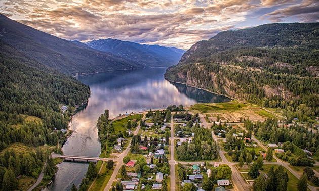 Scenic aerial view of Kootenay community and river.