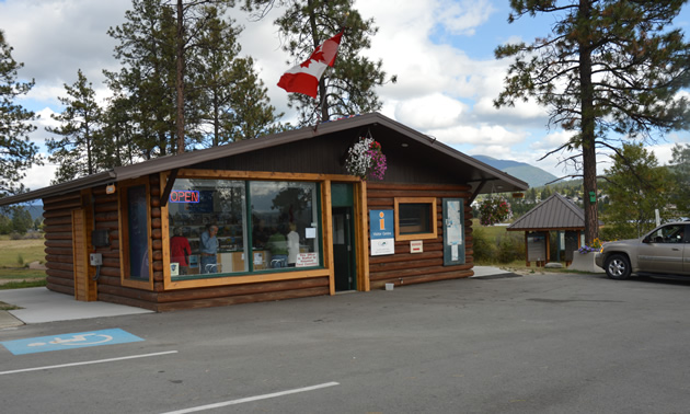 The Visitor Information Centre at the west entrance to Cranbrook offers information and amenities to visitors.