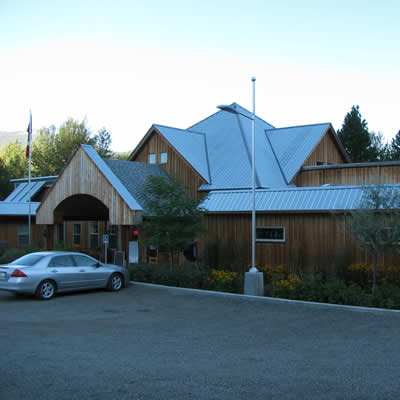 The Christina Lake Welcome Centre is home to several community organizations, an art gallery and a gift shop as well as the visitor information centre