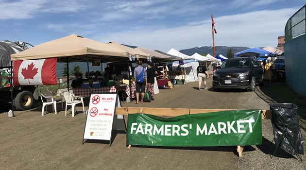 A picture of the Creston, B.C. farmers market.