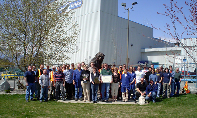 Group in front of Columbia Brewery.