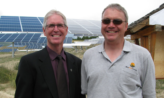 Don McCormick (L), mayor of Kimberley, B.C., and David Kelly, CEO of SunFire Energy, were all smiles at the SunMine official opening in July 2015.