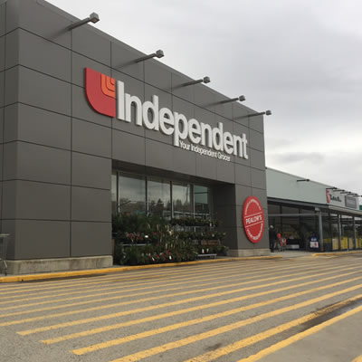 Picture of front of the new Independent Grocer in Creston.