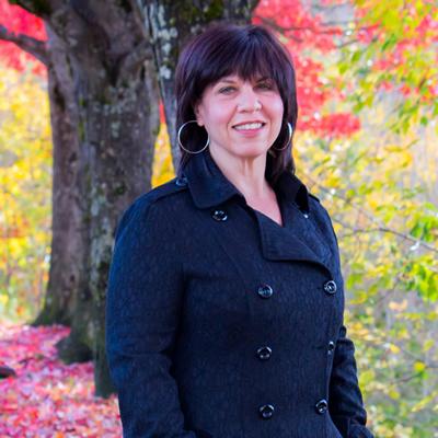 Roberta Ciolli is the Basin Business Advisor based in Revelstoke, B.C.