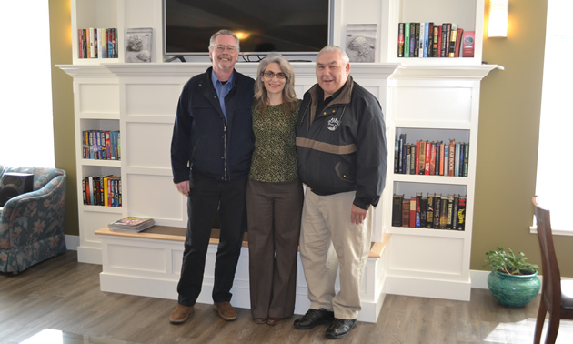 (L to R) Salmo mayor Stephen White, Salmo CAO Diane Kalen-Sukra, and Phil Berukoff, president, Salmo Supportive Housing Society, at the new supportive housing development in Salmo, B.C.