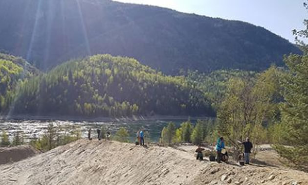 Students worked with members of the Silver City Trap Club during field school along the banks of the Columbia River.