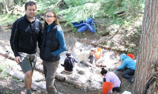 Dr. Nathan Goodale (left) and Alissa Nauman (right) are the Hamilton College educators heading up the project excavating and documenting the pithouses found along the Slocan River.