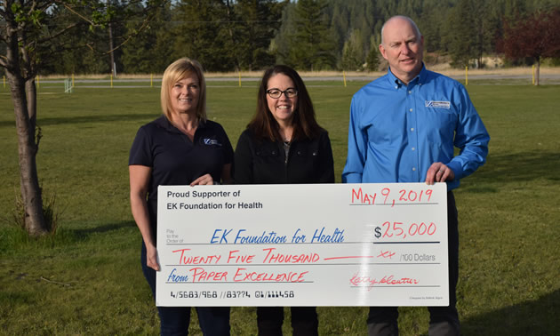 (from left) Kathy Cloutier, Paper Excellence Canada; Brenna Baker, East Kootenay Health Foundation, Gavin Baxter, Skookumchuck Pulp Mill