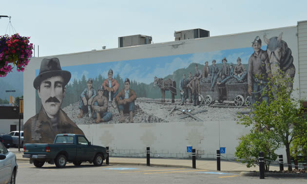 Sparwood mural depicting mining history