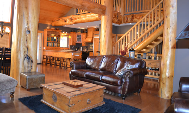 The Stemwinder Chalet offers luxurious but very affordable group accommodation at Kimberley's ski hill.