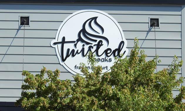 Twisted Peaks Frozen Yogurt sign.
