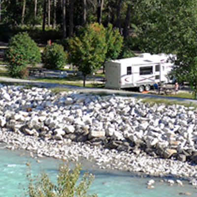 Picture of campground next to river.
