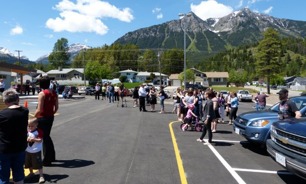 Elkford welcomes tourism and business alike.