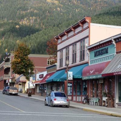 Downtown Kaslo street scene.