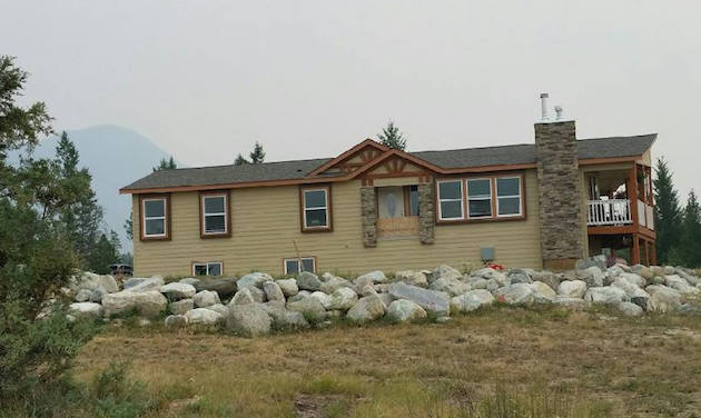 A home built by Kodiak Homes set up on a property. & What is a modular home? | Kootenay Business