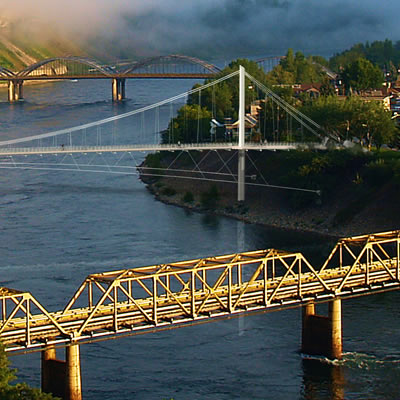 Picture of bridges that span the Columbia River in Trail, B.C.